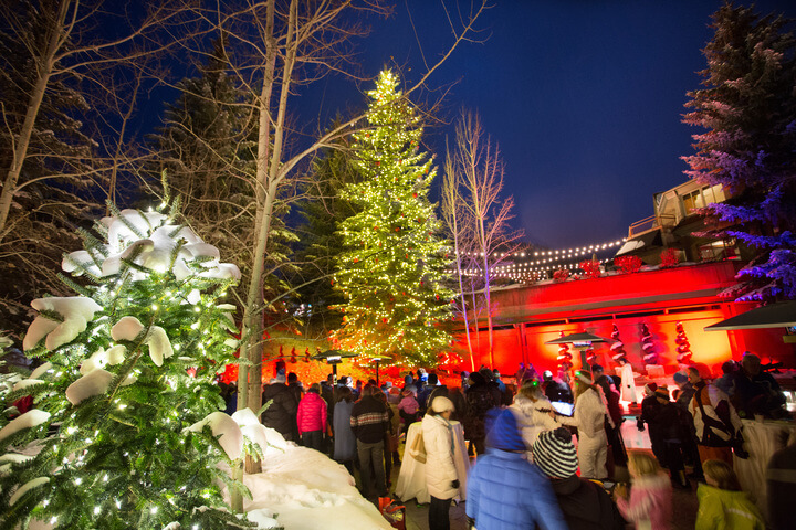 Tree lighting Ceremony in Aspen - How to spend your holidays in Aspen at The Little Nell
